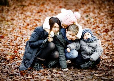 24 foto spacer rodzinny sesja zdjeciowa rodzinna swiateczna