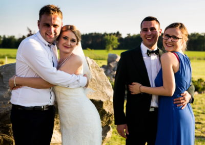 30 zdjecia z goscmi na weselu